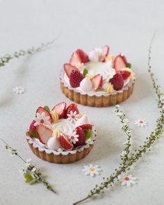 Fancy Desserts, No Bake Desserts, Delicious Desserts, Dessert Recipes, Yummy Food, Kawaii Dessert, Beautiful Desserts, Dessert Decoration, Bakery Cafe