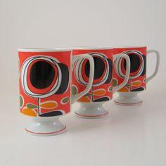 Vintage Mod Pedestal Mugs