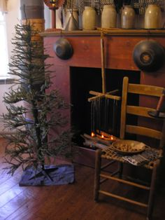 Traditional decor Country primitive fireplace, C…