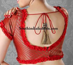 Blouse designs accentuate the looks of the wearer. For a classy and sophisticated look, try these amazing blouse designs which can win you many appreciations.Different types of saree blouse designs - Kurti BlouseNew Layered Paper Art Beautiful Galler Blouse Back Neck Designs, Simple Blouse Designs, Stylish Blouse Design, Designer Blouse Patterns, Fancy Blouse Designs, Latest Blouse Designs, Indian Blouse Designs, Patch Work Blouse Designs, Saree Blouse Patterns