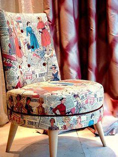 Göz alıcı pop art kumaşından yapılan koltukla evinize renk katabilirsiniz...