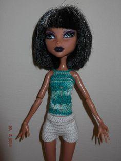 conjunto 3 piezas de crochet top, shorts y chaqueta. Hecho a mano.  El color puede variar un poco en la foto.