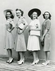 1940s fashion, 1940's fashion, 1940's dresses, 1940 elegance, 1940 dresses