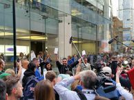 Apple iPhone 6 goes on sale around the globe (pictures) Pictures from around the world as doors open at Apple stores in Sydney, Singapore, London, New York and San Francisco.