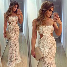 {To impress ✨} Vestido @rocklola_ Renda linda com recorte na cintura 😍😍Disponível online: www.rocklola.com.br • #finaldeano #blogtrendalert