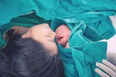 Χαλάρωση σε μπράτσα και πόδια τέλος! - Με Υγεία Breastfeeding Books, Delivering A Baby, C Section, Postpartum Care, First Baby, Baby Care, Birth, Pregnancy, Egypt News