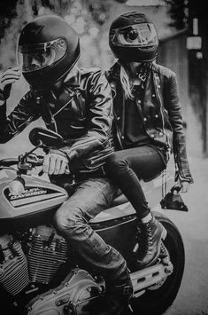 Motorcycle singles attention. There is a best place for bikers and friends to get to know each other, establish relationship and talk about their interests, or to help each other. If you want to find your the other half who also likes motor, you ought to go there. www.bikerkiss.com/