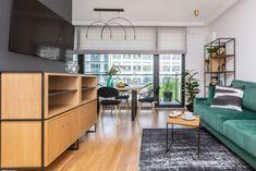 Piękne mieszkanie na Woli - klasyka z nowoczesnym twistem - Galeria - Dobrzemieszkaj.pl Credenza, Corner Desk, Divider, Cabinet, Storage, Interior, Room, Furniture, Design