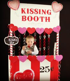 Child Valentine's Day card photo ideas: DIY kissing booth made from foam board Valentines Photo Booth, Valentines For Kids, Holiday Parties, Holiday Fun, Styrofoam Art, Holiday Logo, Booth Decor, Kissing Booth, Trunk Or Treat