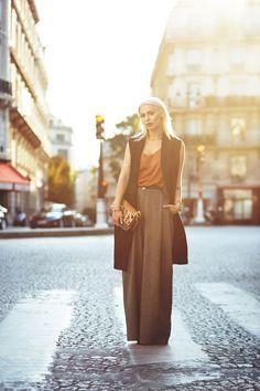 Masha Sedgwick - Fendi Bag, Alexander Wang Shirt - When the sun goes down. Grey Fashion, All Fashion, Spring Fashion, Autumn Fashion, Fashion Looks, Fashion Outfits, Fashion Tips, Masha Sedgwick, Germany Fashion