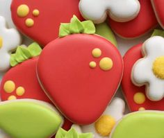 Strawberry cookie tutorial http://www.gigcasa.com/articles/110675