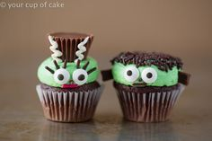 Mr. and Mrs. Frankenstein Mini Cupcakes Meet the Frankensteins! Are they not the cutest!? Much cuter than the horror movie versions. I miss the old black and white movies. Less blood and gore! This couple will be a big hit at the Halloween party or a birthday party. They are really easy to make too. You could cheat and go to the bakery for the chocolate cupcakes with green frosting and then add the finishing touches