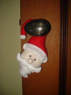 Papai Noel de maçaneta. Confeccionado em feltro. Feito totalmente a mão. Contato para dúvidas e orçamentos... fofuchinhos@r7.com