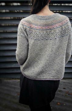 Lace Patterns, Stitch Patterns, Knitting Patterns, Knitting Designs, Crochet Chain, Crochet Hook Sizes, Most Beautiful Dresses, Pretty Dresses, Fingering Yarn