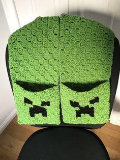 Minecraft Creeper Pocket Scarf, C2C C2c Crochet, Baby Blanket Crochet, Crocheted Hats, Crochet Scarves, Minecraft Crochet, Cowls, Creepers, Diy Projects To Try, Headbands