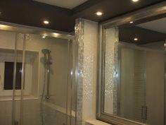 renovare baie Bathtub, Curtains, Mirror, Bathroom, Furniture, Home Decor, Travertine, Standing Bath, Washroom