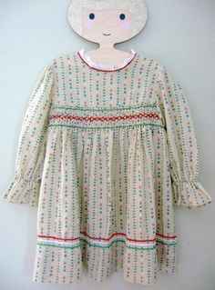 fa72134999e4 Polly Flinders 1970s 70s Vintage Girls Smocked Calico and Rickrack Dress sz  6 Dirndl Prairie Lace Trim Hearts and Flowers Smocking Folk