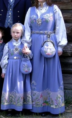 Norwegian Bunads, Oslo Hetalia Norway, Norway Map, Oslo, Anna Kristoff, Folk Costume, Costume Accessories, Vintage Costumes, Most Beautiful Pictures, Wedding Outfits