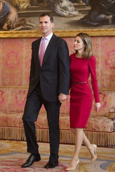 "Queen Letizia of Spain Photos Photos - Prince Felipe of Spain and Princess Letizia of Spain attend a lunch in ocassion of the ""2012 Cervantes Award"" at The Royal Palace on April 20, 2012 in Madrid, Spain. - Spanish Royals Host 'Cervantes Awards 2012' Lunch in Madrid"