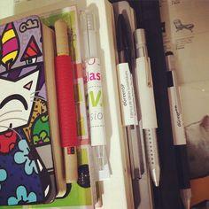 Assiste lá no site :) já está online #SDT3fCard #cartãodevisitasustentável  Com um destes vc pode levar a tua caneta em qualquer livro agenda ou caderno que quiser... #FiqueLigado no #MovimentoSDT  #dGreenSP #byDaniLoren #DaniLoren #daniloren #designsustentável #sustainabledesign #designdeproduto #productdesign #móvelsustentável #móveissustentáveis #ideiassustentáveis #idéiasustentável #sustentavelcomestilo #SDT #SDTproduto #SDTproduct #sustainabledesignthinking #sustainabledesignconcept…