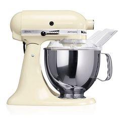 """KitchenAid Artisan Robot de Cozinha – Créme <3 """"A personalidade de um cozinheiro expressa-se na criação de sensuais experiências culinárias que englobam todos os sentidos, incluído a visão. A KitchenAid considera as suas batedeiras como uma extensão criativa das mãos do cozinheiro, proporcionando um óptimo controlo a nível profissional. Esta Batedeira Artisan™ Chefe Tilt é tudo isso e tem um design icônico."""""""
