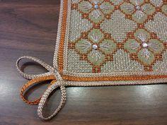 Swedish Embroidery, Beaded Embroidery, Cross Stitch Embroidery, Hand Embroidery, Embroidery Designs, Bordados E Cia, Monks Cloth, Bargello, Crochet Crafts