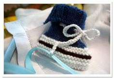 How to Make Knitted Converse Baby Booties