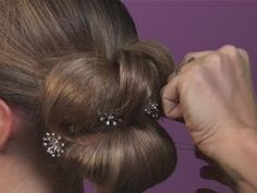 How To Create Bridal Hairstyles – Larisa Leonidovna Drozdova - Modern Evening Hairstyles, Elegant Hairstyles, Wedding Hairstyles, Wedding Hair And Makeup, Hair Makeup, Scrunched Hair, Hairstyle Tutorial, Avon Skin So Soft, Purple Ombre