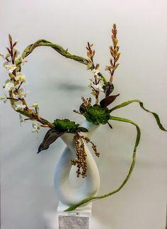 Wenig Risiko bedeutet auch wenig Ruhm!  VALENTINO #Trockenfloristik #Gesteck #floralart #Floristik EBK-Blumenmönche Blumenhaus – Google+