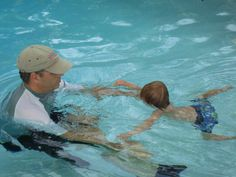 5 Steps To Teach Your Toddler To Swim