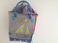 Liebevoll genähte Kindertasche, die im Alltag vielseitig entgesetzt werden kann. Für den Kindergarten, zum Turnen, für Nachmittagsverabredungen,......