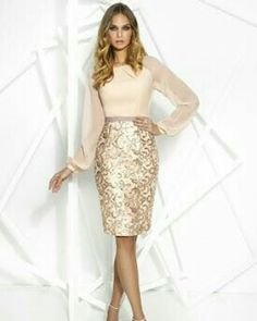 Party dresses in Privèe collection by Cabotine. Luxury gowns for parties, formal events, celebrations and more. Find the best long and short dresses. Vestidos Vintage, Groom Dress, Dress Suits, Chic Dress, Dress And Heels, Fashion Tips For Women, Look Fashion, Fall Fashion, Beautiful Dresses