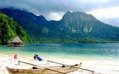 Pantai Ora, Maluku Tengah, Indonesia