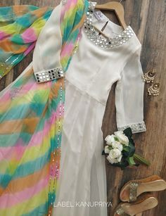 Party Wear Indian Dresses, Pakistani Fashion Party Wear, Designer Party Wear Dresses, Indian Gowns Dresses, Indian Bridal Outfits, Indian Fashion Dresses, Designer Anarkali Dresses, Dress Indian Style, Indian Designer Outfits