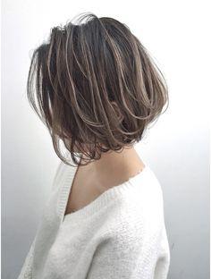 トルネード(Tornado) 外国人風ボブ ハイライトグラデーション グレージュ 外ハネ Pixie Cut With Bangs, Short Hair Styles, Stylists, Hair Makeup, Fashion Dresses, Hair Cuts, Hair Color, Hair Beauty, Lady
