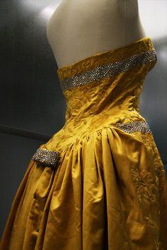 Details: Balenciaga, Haute Couture 1960 Cristóbal Balenciaga: Collectionneur de Modes, Les Docks, Paris