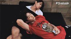 taehyung sleeping - Szukaj w Google