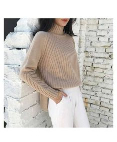 Continuation of the network Red Fashion Versatile . Knitwear Fashion, Knit Fashion, Red Fashion, Cool Sweaters, Sweaters For Women, Diy Clothes, Clothes For Women, Big Knits, Neutral Outfit