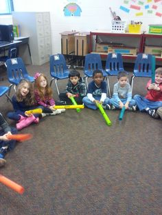 ♫ We ❤ Music @ HSES! ♫: Kindergartners LOVE the Boomwhackers! Great site for ideas Kindergarten Music, Preschool Music, Music Activities, Teaching Music, Kindergarten Activities, Classroom Activities, Teaching Kids, Music Lessons For Kids, Music For Kids