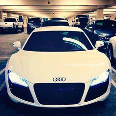 Can you tell that I'm a tad bit Audi obessed? Can you tell that I'm a tad bit Audi obessed? Sexy Cars, Hot Cars, Maserati, Ferrari, Moto Design, Sexy Autos, Volkswagen, Mercedes Benz G, Audi R8 V10