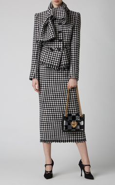 Houndstooth Wool Jacket by Dolce & Gabbana Plaid Fashion, Suit Fashion, Fashion 2020, Love Fashion, Winter Fashion, Fashion Design, Classy Outfits, Chic Outfits, Suits For Women