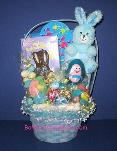 Easter candy basket panier cadeau pques eastercandybasket this gift basket filled with candy and chocolate is perfect for children paniercandeaubonbonspaques eastercandygiftbasket negle Image collections