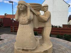 The Creel Loaders, Dunbar - sculptor Gardner Molloy, 2016