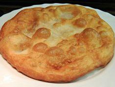 Burgonyalángos – ha megkóstolod a kedvenced lesz, ez biztos! Hungarian Cuisine, Hungarian Recipes, German Potato Pancakes, My Recipes, Cooking Recipes, Homemade Sweets, Yummy Food, Tasty, Sweet And Salty