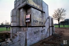 View of Wot For? graffiti on Rachel Whiteread House, the East End terraced house cast in concrete in Bow, London. Rachel Whiteread, End Terrace House, House Cast, Roman Roads, Tower Hamlets, S Brick, Buying A New Home, East London, Art World