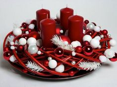 40 Original Advent Wreath Ideas for 2014 Year – christmas crackers Nightmare Before Christmas Wreath, Christmas Advent Wreath, Christmas Swags, Christmas Flowers, Handmade Christmas Decorations, Christmas Mantels, Christmas Candle, Xmas Decorations, Simple Christmas
