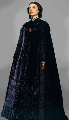 Star Wars Episode III. Senator Padmé Amidala's(Natalie Portman) Pregnancy concealing cloak.