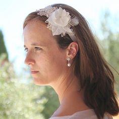Vintage #haarlint met #kant #lace #bruid #bruidskapsel #weddinghair #bride / www.witenzilver.nl