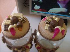Pote para guardar bombons, decorado com biscuit, pote em vidro R$ 30,00