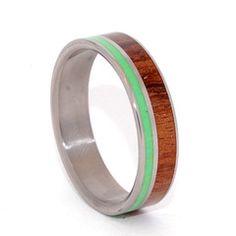 Gaspeite Titanium Ring | Minter & Richter #uniqueweddingrings #titaniumring #weddingring